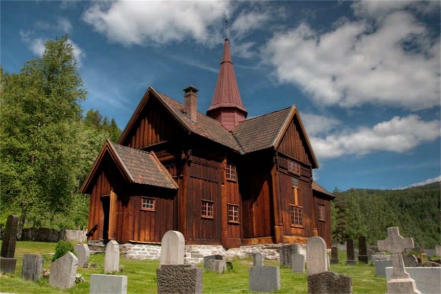 罗拉格木教堂 Rollag Stave Church