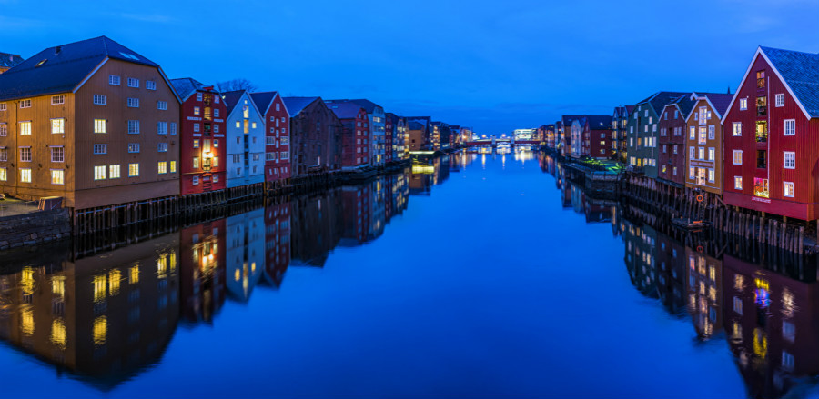Norway_Houses_Evening_Trondheim_Canal_Reflection_513545_1280x625_meitu_2.jpg